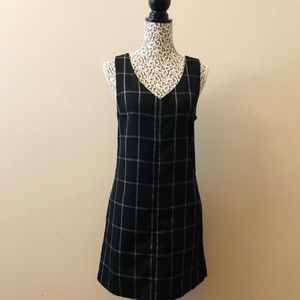 GAP Black & White Plaid V-Neck Shift Dress